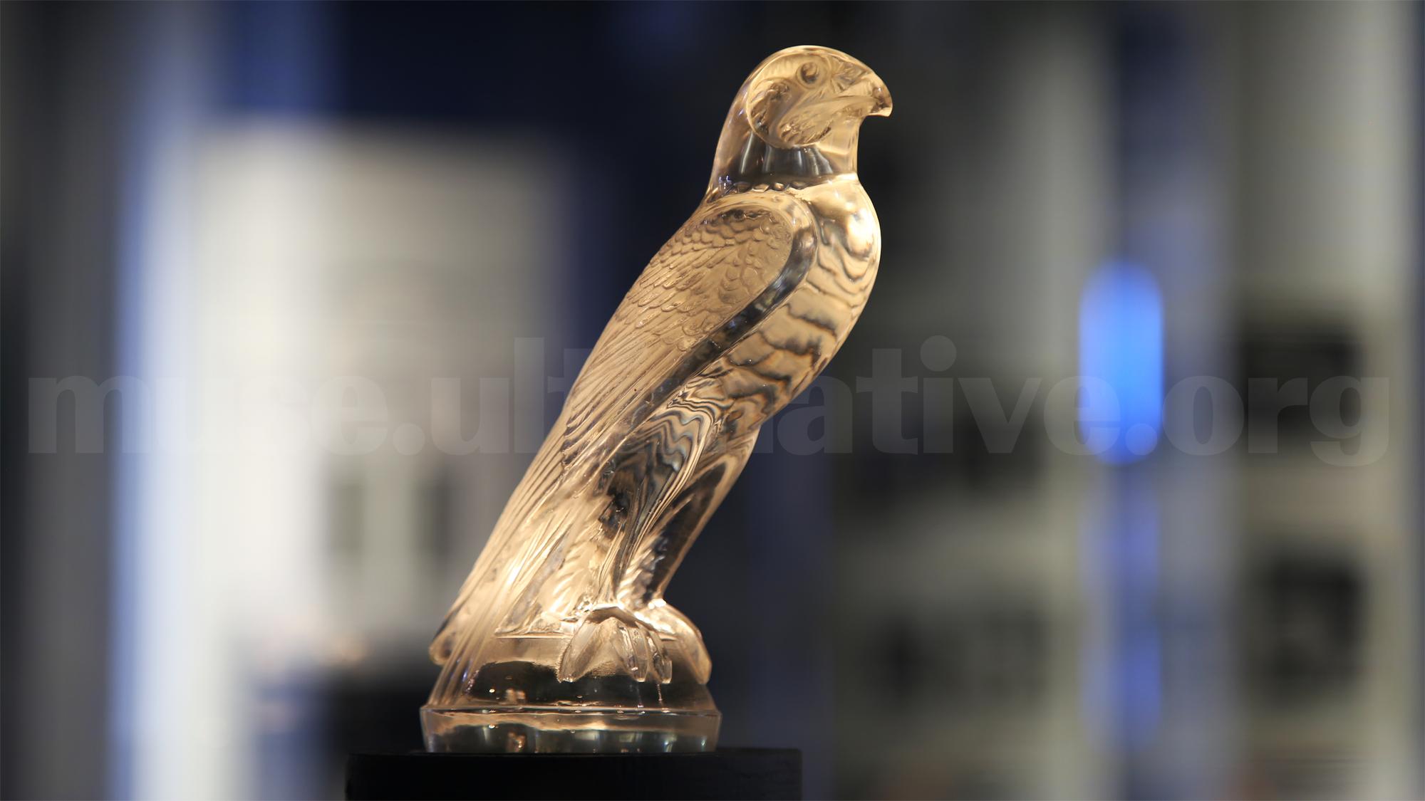鷹(1925年)